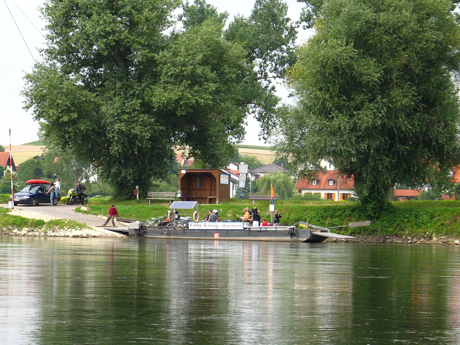 Fahre Eining Neustadt An Der Donau